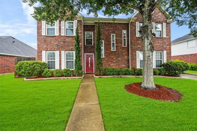 2116 Westminister Street, Pearland, TX 77581 (MLS #73432114) :: Bay Area Elite Properties