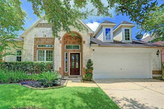 12102 Dawn Mist Court, Pearland, TX 77584 (MLS #73529317) :: Christy Buck Team