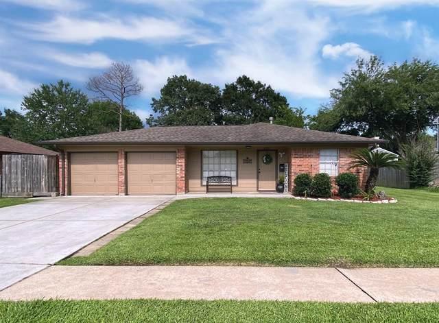 2307 Cunningham Drive, Pearland, TX 77581 (MLS #73574152) :: Christy Buck Team
