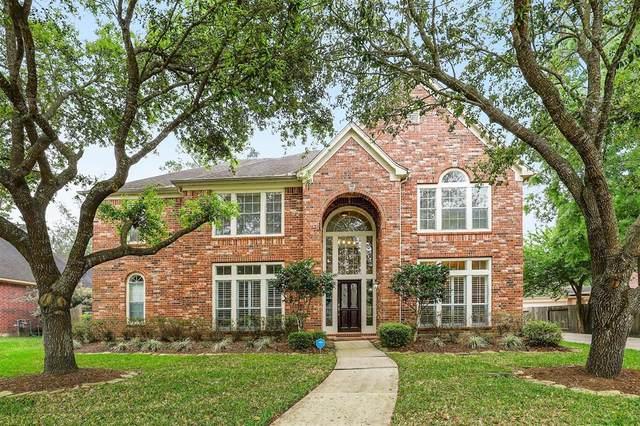 712 Hidden Woods Lane, Friendswood, TX 77546 (MLS #73595683) :: Bay Area Elite Properties