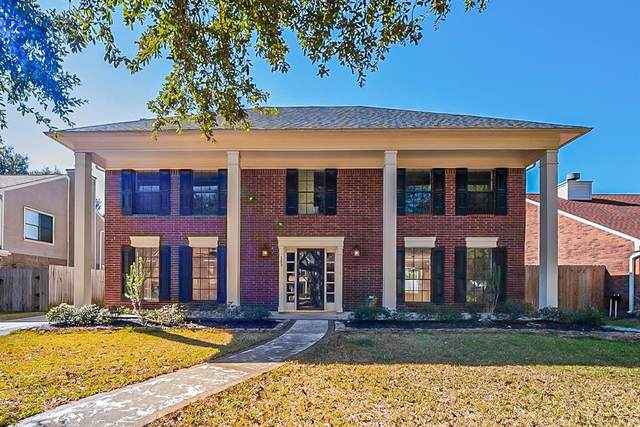 143 Lake Point Drive, League City, TX 77573 (MLS #73605379) :: The SOLD by George Team