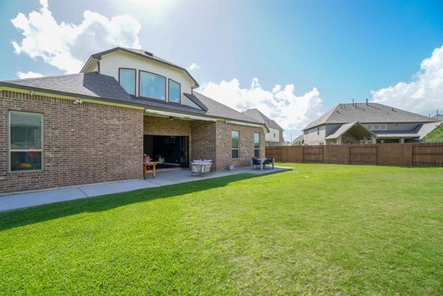 11722 Heights Trail Lane, Pearland, TX 77584 (MLS #73655489) :: Christy Buck Team