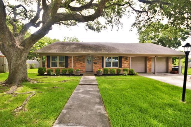 1306 Basilan Lane, Nassau Bay, TX 77058 (MLS #73827287) :: Bay Area Elite Properties
