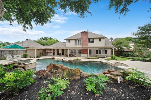 5810 Slashwood Lane, Spring, TX 77379 (MLS #73951381) :: The Sold By Valdez Team