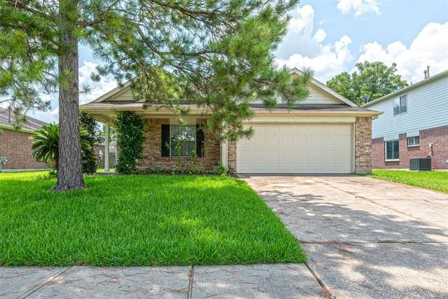2002 Honeysuckle Drive, Missouri City, TX 77489 (MLS #73985097) :: The Heyl Group at Keller Williams