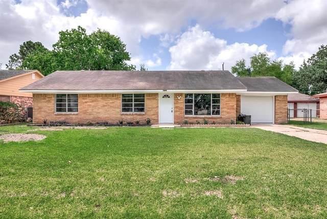 9723 Oldcrest Drive, Stafford, TX 77477 (MLS #74153630) :: Guevara Backman