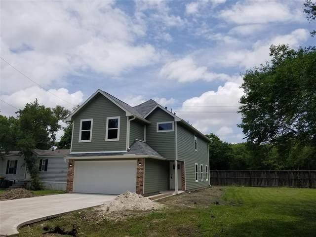 103 Bluebill Bay S, Baytown, TX 77523 (MLS #7416234) :: The Sansone Group