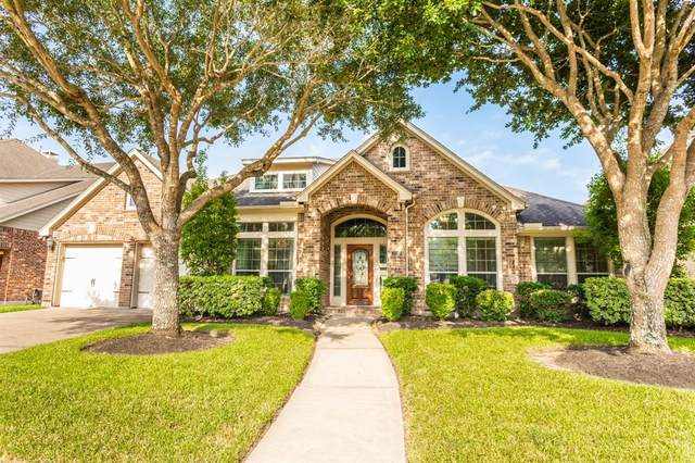 2707 Green Mountain Drive, Pearland, TX 77584 (MLS #74319164) :: NewHomePrograms.com