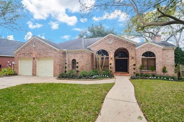4768 Lake Village Drive, Fulshear, TX 77441 (MLS #74373007) :: The Home Branch