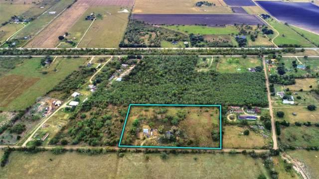1736 Willow Road, Wallis, TX 77485 (MLS #74456659) :: Johnson Elite Group