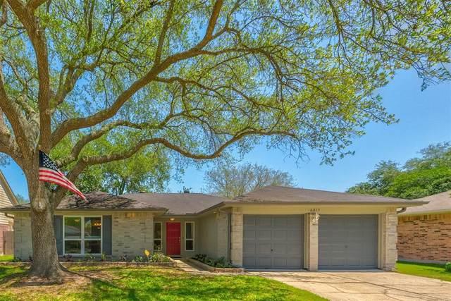 16815 Man O War Lane, Friendswood, TX 77546 (MLS #7462751) :: Michele Harmon Team