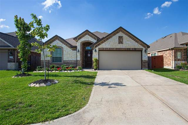 4303 Bearberry Avenue, Baytown, TX 77521 (MLS #74803018) :: Rachel Lee Realtor
