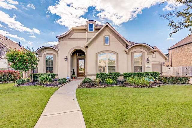 2436 Prairie Mist Lane, Friendswood, TX 77546 (MLS #74870829) :: The SOLD by George Team