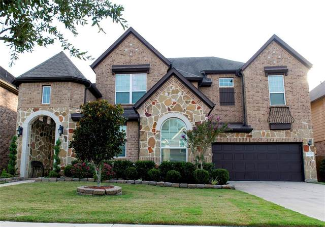 5326 Belle Manor Lane, Sugar Land, TX 77479 (MLS #74919190) :: The SOLD by George Team