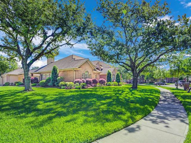 2614 Cypress Court, Seabrook, TX 77586 (MLS #75156226) :: Ellison Real Estate Team