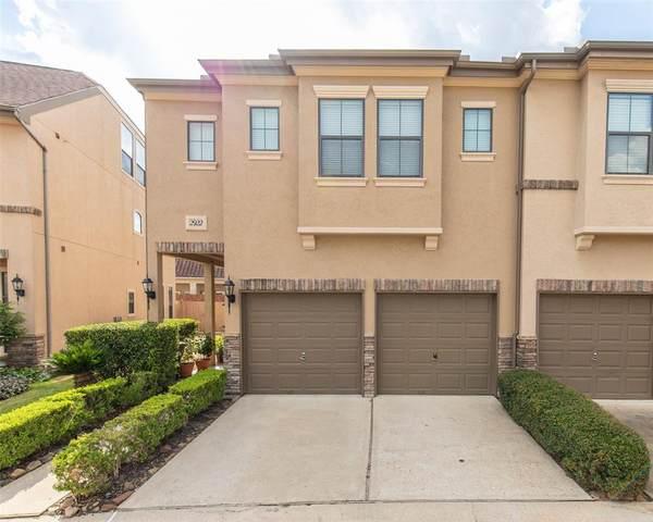 2922 Royal Oaks Crest, Houston, TX 77082 (MLS #75191246) :: Parodi Group Real Estate