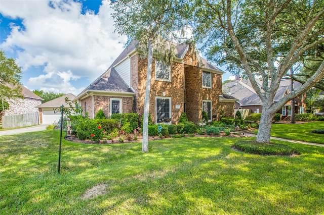 312 Woodstream Circle, Friendswood, TX 77546 (MLS #75223229) :: The Heyl Group at Keller Williams
