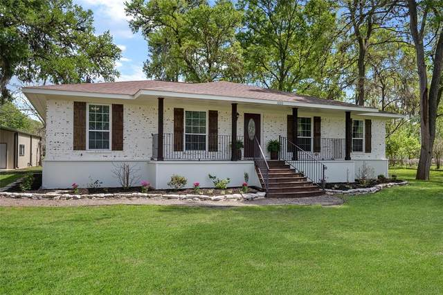 1020 Pony Lane, Simonton, TX 77485 (MLS #75233250) :: The Home Branch