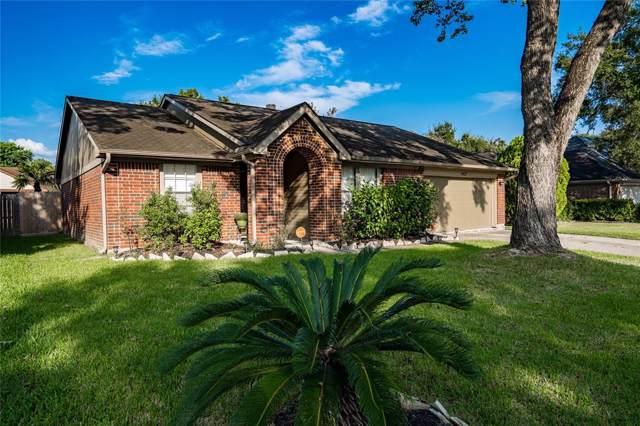 15827 Constitution Lane, Friendswood, TX 77546 (MLS #75241112) :: Caskey Realty