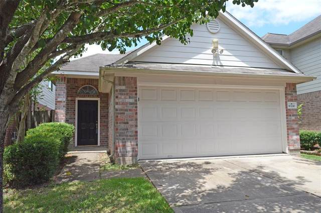 10210 Middleglen Lane, Houston, TX 77034 (MLS #7526044) :: The SOLD by George Team