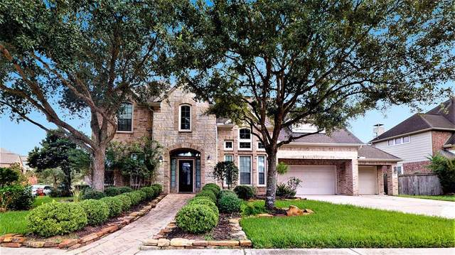 11911 Shady Sands Place, Pearland, TX 77584 (MLS #7532763) :: The SOLD by George Team