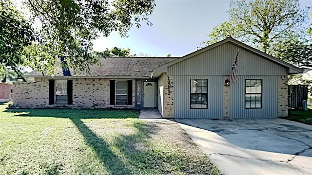 12611 River Ridge Street, Mont Belvieu, TX 77523 (MLS #75387590) :: NewHomePrograms.com