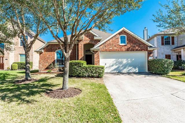 880 Falling Springs Lane, League City, TX 77573 (MLS #75424576) :: The Bly Team