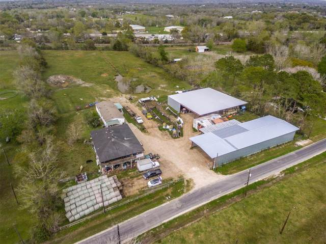 17308 Auction Barn Road, Alvin, TX 77511 (MLS #75542630) :: The Freund Group