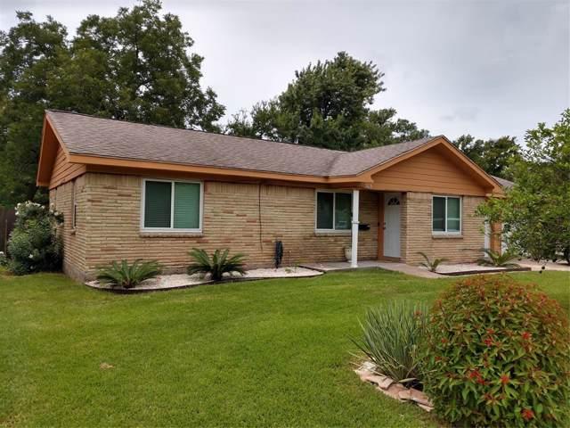305 Hargett Street, Clute, TX 77531 (MLS #75616701) :: Ellison Real Estate Team