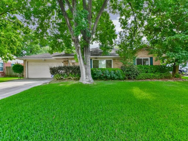10935 Oasis Drive, Houston, TX 77096 (MLS #75636687) :: Magnolia Realty