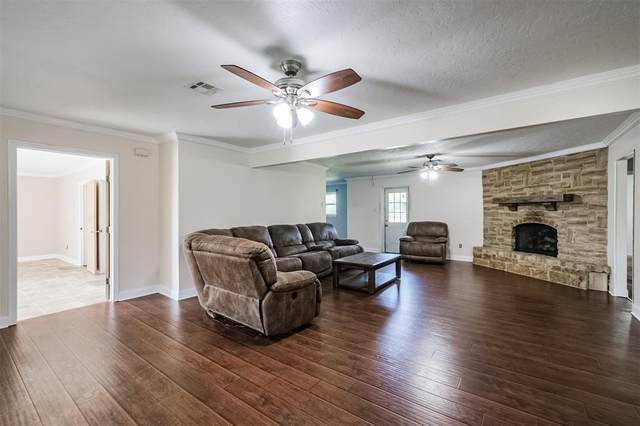 246 W Gulf Bank Road, Houston, TX 77037 (MLS #75647317) :: Lerner Realty Solutions
