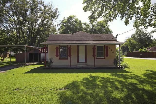 910 S Oregon Street, Brazoria, TX 77422 (MLS #7589809) :: The Freund Group