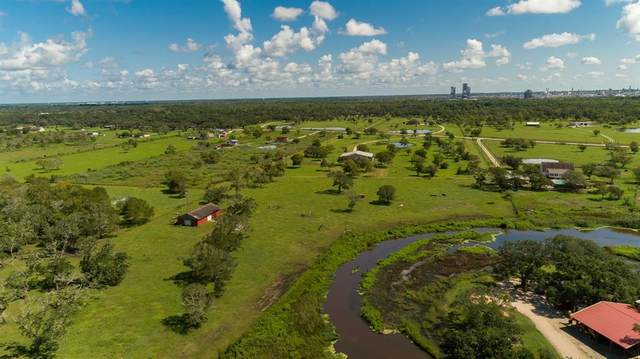 911 Brazos River Road, Freeport, TX 77541 (MLS #76133868) :: The SOLD by George Team
