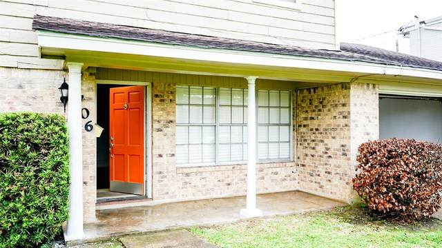 6708 Biggs Court, Houston, TX 77061 (MLS #76140133) :: The SOLD by George Team