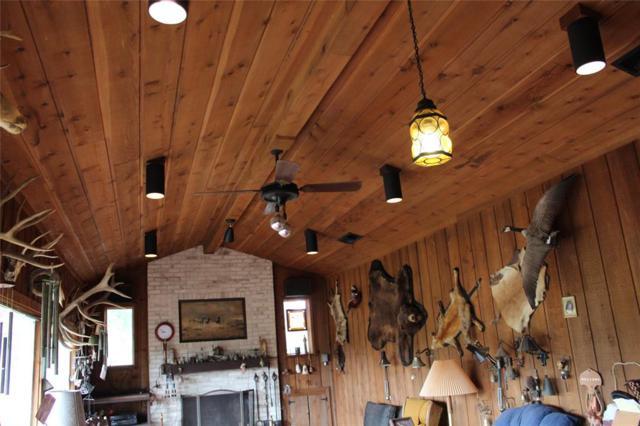 401 Crooked Creek Drive, Sheridan, TX 77475 (MLS #76149614) :: The Heyl Group at Keller Williams