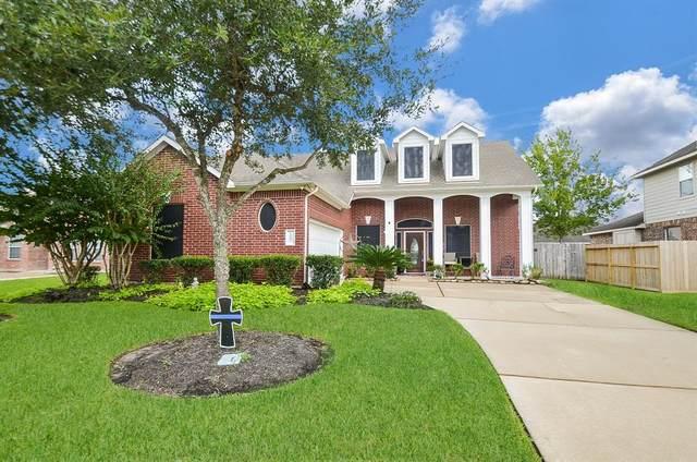 5813 Little Grove Drive, Pearland, TX 77581 (MLS #76162469) :: Christy Buck Team