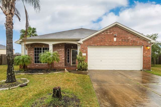 420 Creekpoint Court, Dickinson, TX 77539 (MLS #7631216) :: The SOLD by George Team