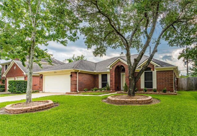 2930 Russett Place W, Pearland, TX 77584 (MLS #76370914) :: The SOLD by George Team