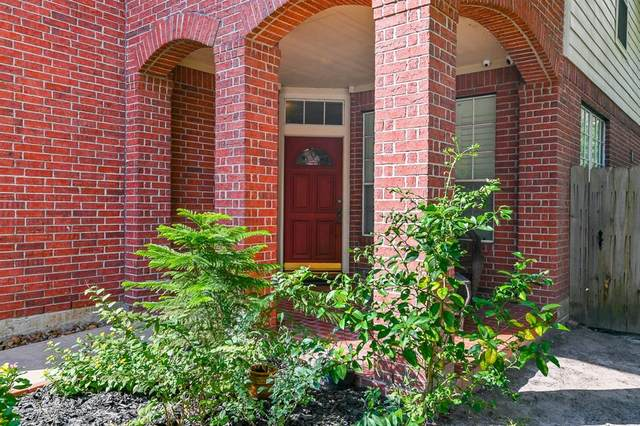 8627 Village Terrace, Houston, TX 77040 (MLS #76371264) :: My BCS Home Real Estate Group