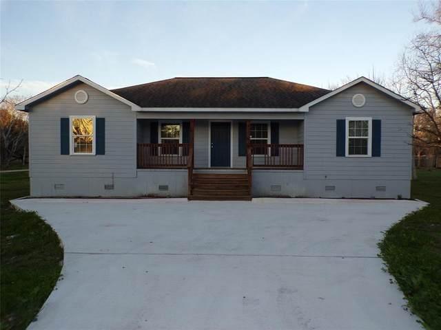1407 Avenue K, Danbury, TX 77534 (MLS #76840183) :: Caskey Realty
