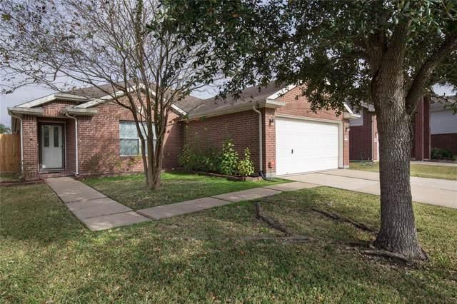 16223 Constitution Lane, Friendswood, TX 77546 (MLS #76879288) :: Ellison Real Estate Team