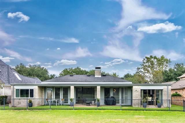 1718 Country Club Boulevard, Sugar Land, TX 77478 (MLS #76967803) :: Michele Harmon Team
