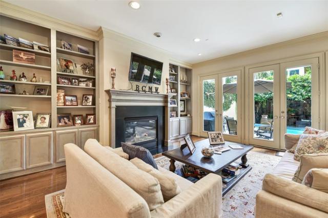 1721 Brun Street, Houston, TX 77019 (MLS #76983513) :: Fairwater Westmont Real Estate