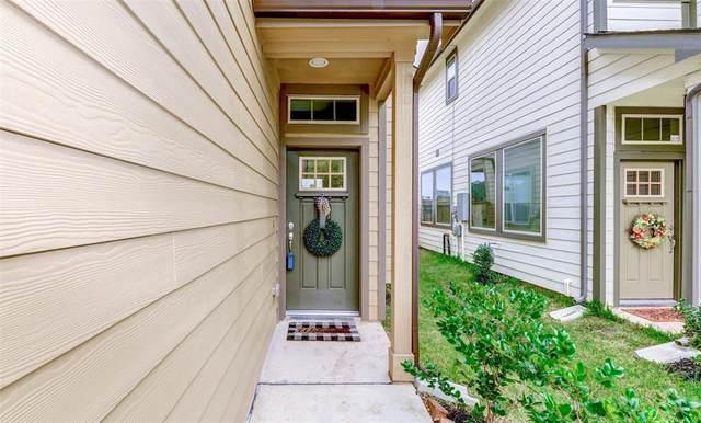323 Biltmore Loop, Montgomery, TX 77316 (MLS #76985612) :: The Home Branch