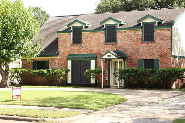 5923 W Bellfort Street, Houston, TX 77035 (MLS #76995002) :: The Home Branch