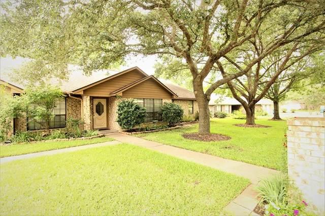 110 Douglas Drive, Bellville, TX 77418 (MLS #77011633) :: Ellison Real Estate Team