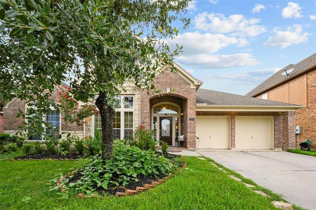 2608 Ravenlake Court, Pearland, TX 77584 (MLS #77082119) :: The SOLD by George Team