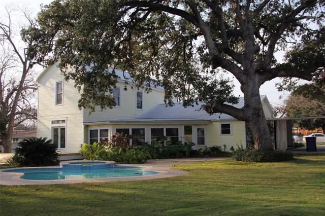 542 E Milam Street, La Grange, TX 78945 (MLS #77114176) :: Texas Home Shop Realty