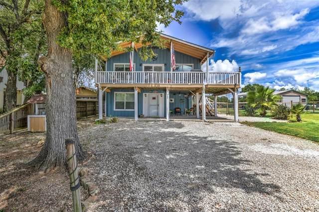 343 Oak Crest Drive, Livingston, TX 77351 (MLS #77139146) :: Christy Buck Team