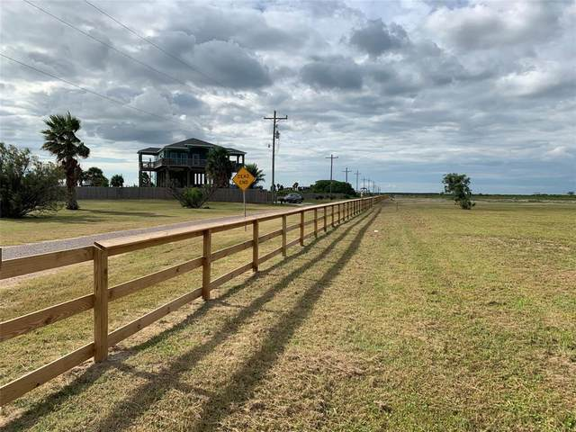 1046 Paisly, Gilchrist, TX 77617 (MLS #77194608) :: Michele Harmon Team